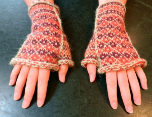 Checkered Past Mitts